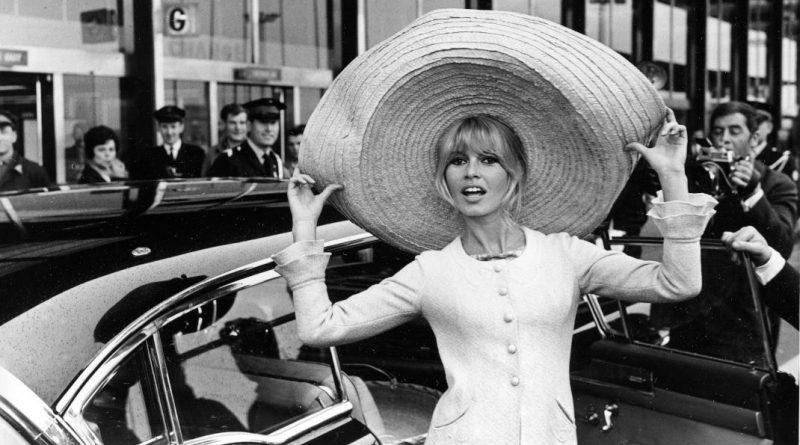 Το υπέροχο 50s καλοκαιρινό outfit που λάτρευαν Όντρεϊ Χέμπορν και Γκρέις Κέλι