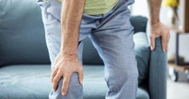 Πόνοι στα γόνατα: 5 τρόποι να τους μειώσετε!