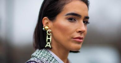 Το stylish αξεσουάρ που θα συνοδεύσει φέτος τα πιο updated ανοιξιάτικα look