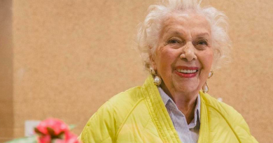 H 91χρονη instagrammer που φοράει μόνο Zara και παραδίδει μαθήματα στιλ