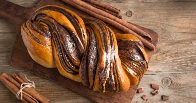 Babka: Το εβραϊκό τσουρέκι με σοκολάτα που πρέπει να δοκιμάσεις φέτος