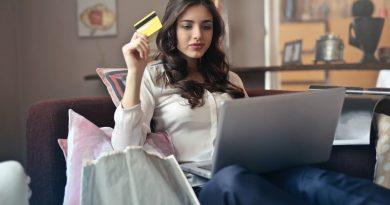 Κόλπα που χρησιμοποιούν οι εταιρείες για να ψωνίζεις περισσότερο online