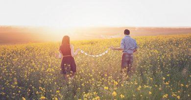 Τι οδηγεί τα ζευγάρια να χωρίσουν μετά από δεκαετίες μαζί
