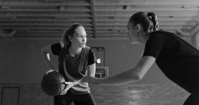 Γυναικείο μπάσκετ: Πώς, πού ξεκίνησε και τι στολές φορούσαν