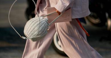 Most wanted: H stylish τσάντα που κρατούν τα fashion girls