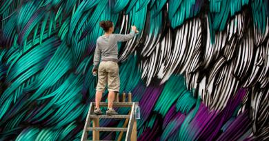 Οι πανέμορφες τοιχογραφίες της Adele Renault